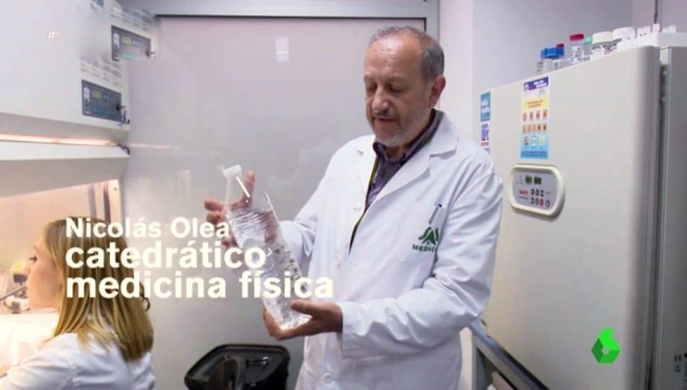 La cruzada contra el plástico del profesor Nicolás Olea